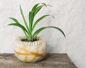 Plant Holder, Felted Vessel, Natural Dye, Wool Bowl, Natural Wool Plant Holder, Home Decor, Handmade Felted Bowl, Natural Colors, 0 Waste
