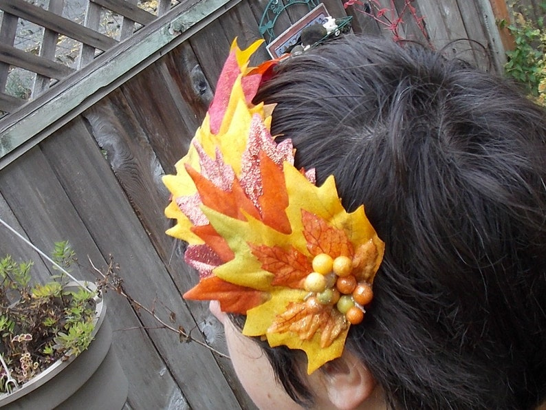 Fall Maple Leaf Crown with Glittery Leaves Fall Colors Leaf Headpiece Red Yellow and Orange Leaves Leaf Fascinator with Fall Berry Accent
