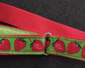Child's Self-closing D-ring Belt: Strawberries, size 5/6