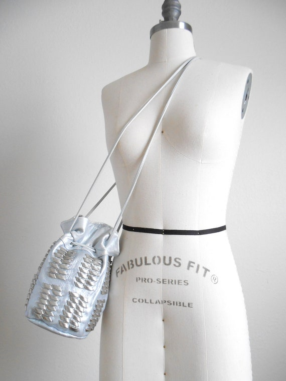90s vintage bag - silver leather bucket bag studde