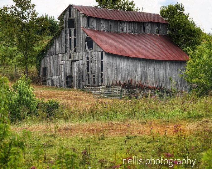 Photography, Old Barn Near Lancaster Kentucky, 11 x 14 Inch Photographic Print, Old Barn Pic