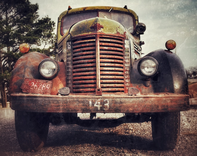 Photography, Old Antique Truck, 11 x 14 Inch Photographic Print