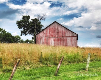 Photography, Landscape, Country Scene, Title:  Lovely Old Barn On A Kentucky Farm,11 x 14 Inch Photographic Print