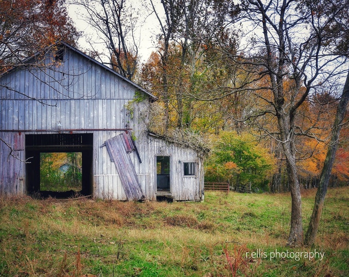 Photography, The Old Tobacco Barn Along Highway 127, Country Print, 11 x 14 Inch Photographic Print