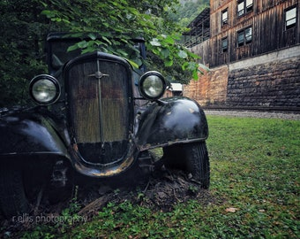 Photography, Old Chevrolet, Sterns Kentucky, 11 x 14 Inch Photographic Print