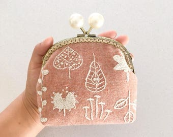 Beautiful hand stitched/ embroidered coin purse/purse/pouch kiss lock/clasp/pink/leaves/autumn/gift for her