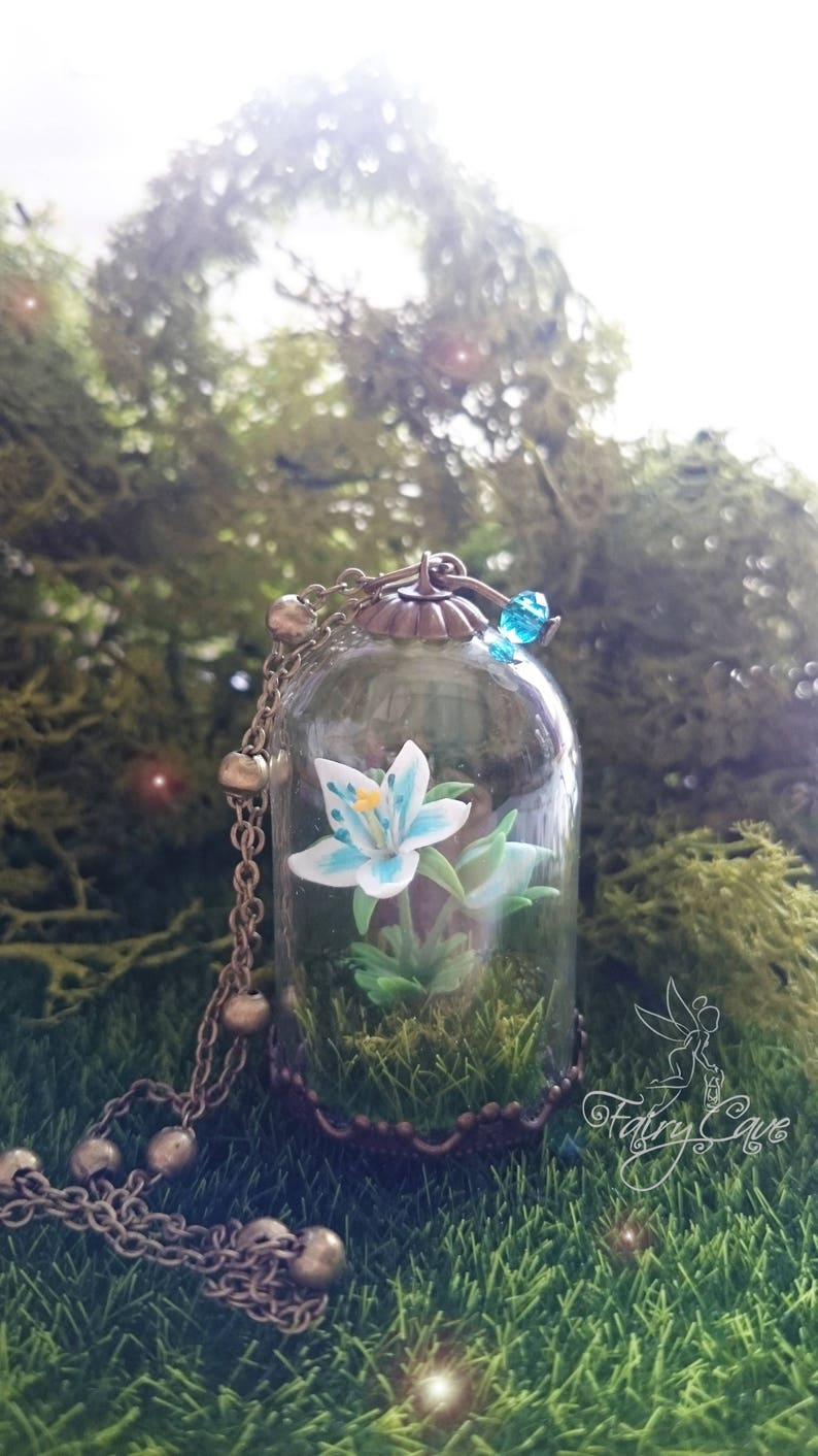 Silent Princess flower inspired necklace terrarium image 0