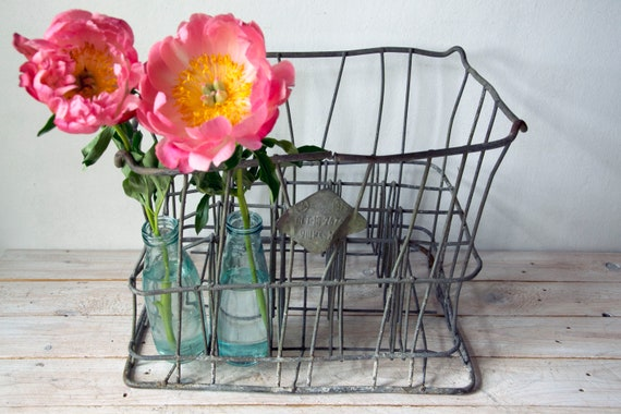 Rustic metal milk crate, Bottle carrier, Metal bottle holder, Wire metal crate, box, bin, Wire basket, Glass milk bottle box, Wire storage