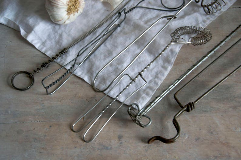 Wire tongs Grill accessory Wire barbecue gadget Cooking gadget Vintage barbecue grill utensil Wire cooking utensil
