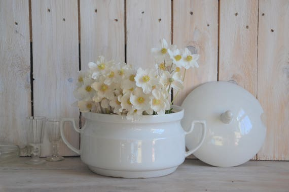 Vintage soup tureen, White tureen with lid, Antique tureen, White lidded tureen, White soupiere, Shabby chic tureen, Large serving bowl
