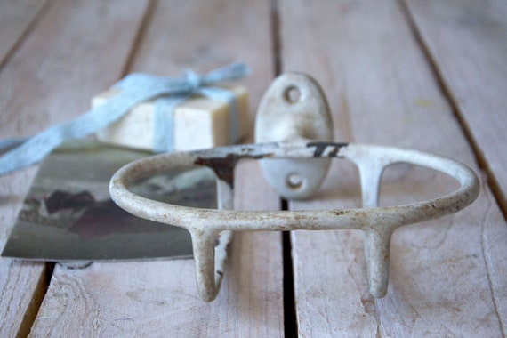 Vintage soap dish, Rustic soap holder, Wall soap bowl, Metal soap dish, Vintage bathroom, Bathroom decor
