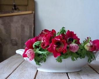 Vintage soup tureen, White tureen, Antique tureen, White tureen, White soupière, Shabby chic tureen, Large serving bowl