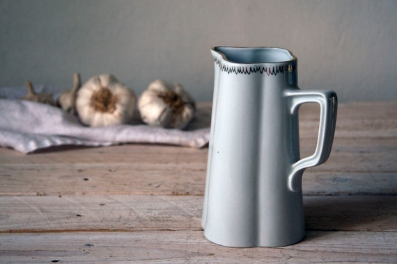 Vintage stoneware pitcher, Cream white milk jug with little gold, Ceramic milk jug, Table setting, Milk dish, Vintage dinner, Kitchenware