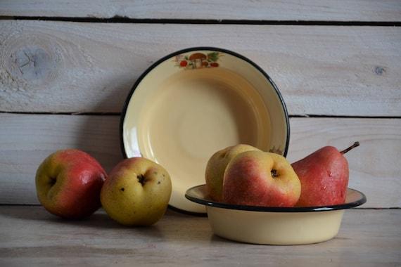 Rustic vintage enamel bowl, Yellow enamel plate with little black, Metal bowl with black rim, Rustic kitchen decor, Enamel tableware