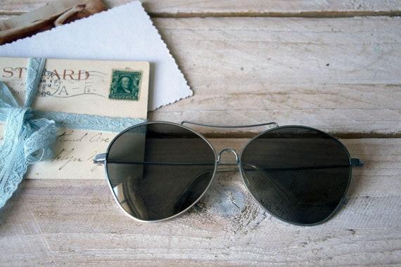 Vintage aviator sunglasses, Vintage sunglasses, Silver aviator sunglasses with metal frame, Pilot sunglases, Unisex sunglasses