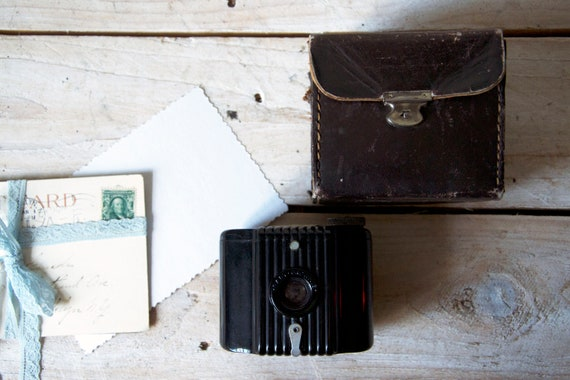 Vintage camera Zeiss Baby Brownie with leather case, Film camera, Lomography, Photo camera, Film camera, Photography, Photography props