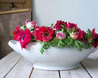 Vintage soup tureen, White tureen, Antique tureen, White tureen, White soupiere, Shabby chic tureen, Large serving bowl