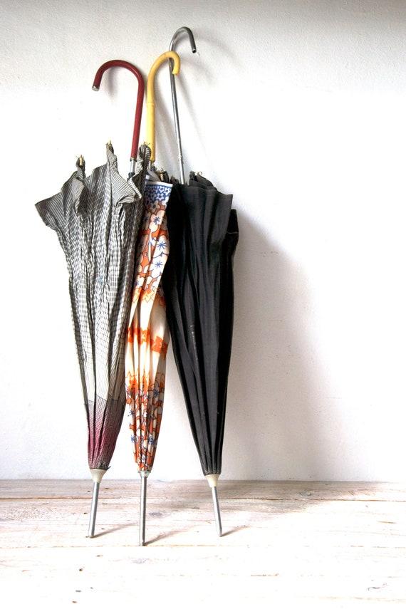 Vintage umbrella, Working vintage umbrella, Rain u