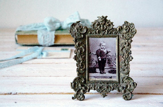Antique picture frame, Old picture with frame, Brass picture frame, Shabby chic décor