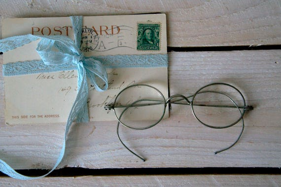 Antique eyeglasses, Antique oval eyeglasses, Round