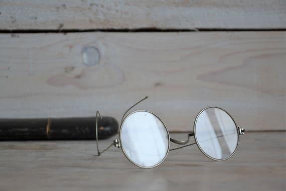 Antique round eyeglasses with case, Round eyeglass