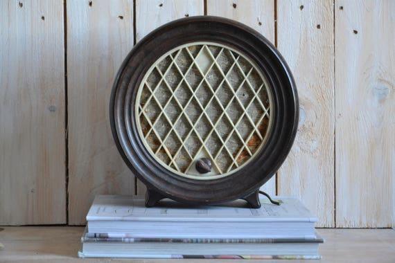 Vintage miniature radio, Round speaker, Deco radio, Old radio cabinet, Mid century modern speaker, Photography props, Collectible