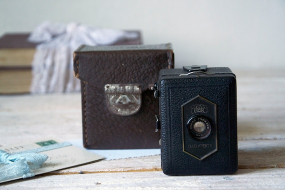 Vintage camera Zeiss Baby Brownie, Film camera with leather case, Lomography, Photo camera, Film camera, Film photography, Photography props