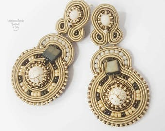 Soutache earrings. Dangle stud earrings in ivory and  antique gold tones. Long earrings, Soutache jewelry made in Italy