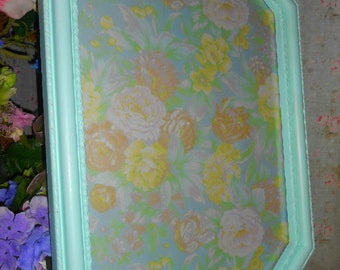 Upcycled. Hexagonal, Shabby Chic, hand Painted, Greenish Aqua, Picture Frame, Mint Green, seamist