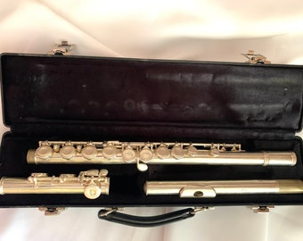 Gemeinhardt 2SP Student Flute in Case, Silver Plated Flute, Made in USA