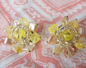 in the limelight | Vintage 50s 60s Lime Green Yellow Glass Beaded Flower Clip Earrings // West Germany