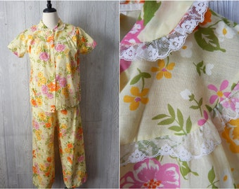 a29e9590dd5d Women s Vintage 60s Philmaid Yellow Orange Pink Floral Lightweight  Polyester Cotton Blend Short Sleeve Pants 2 Piece Pajama Set    Size S