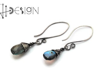 Labradorite simple dangling  stone earrings in sterling silver oxidized, wire wrapping earrings, facetted briolette labradorite