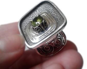 Large cocktail ring, rustic, modern, fern, leaves, spiral, fine silver, sterling silver, green peridot faceted precious stone, size 8