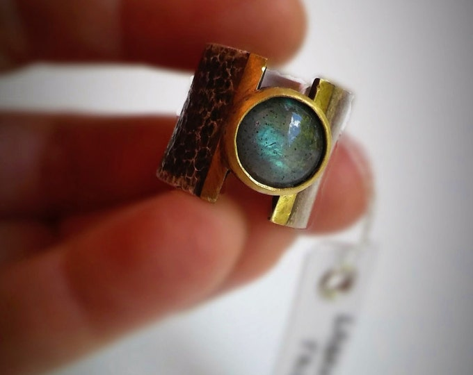 Sterling silver large band ring with a Labradorite round stone size 7