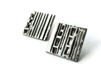 Sterling silver square earring, stud, lines, stripes, geometric, rustic, oxidized, modern, contemporary, made in quebec