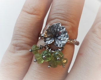 Nature inspired ring, sterling silver ring, leaf and branch, peridot stone, green, spring collection, size 6, made in quebec
