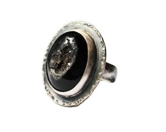Sterling silver ring Druzy black Agate, hammered and brush finition, size 7.5
