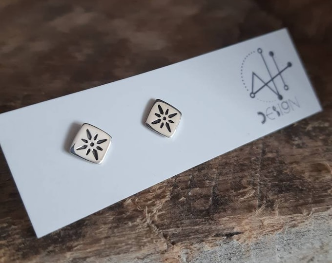 Sterling silver star stud, minimalist earrings, modern stars studs, handstamped star studs