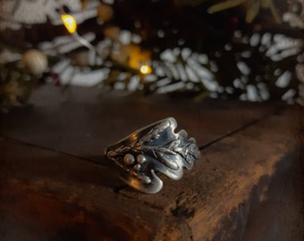 Rustic evergreen sterling silver ring, cedar branch sterling ring, hammered oxidized evergreen ring, nature inspired silver ring, evergreen