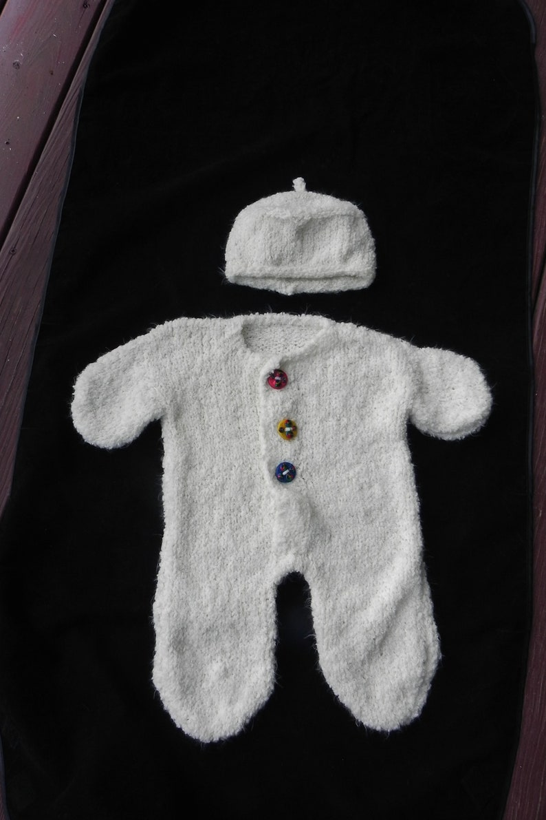 b84db5789 Hand Made Baby Bunting With Hat White With 3 Buttons