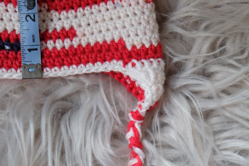 Chrildren/'s Classic Beanie with ear flaps and braids: red smaller size head white and blue