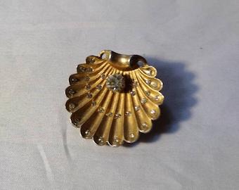 Goldtone Metal Shell Shape Brooch. Rhinestone Accents