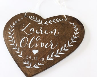 Wooden heart wedding sign / wedding gift / wedding decoration / calligraphy heart / keepsake / home decoration / anniversary gift