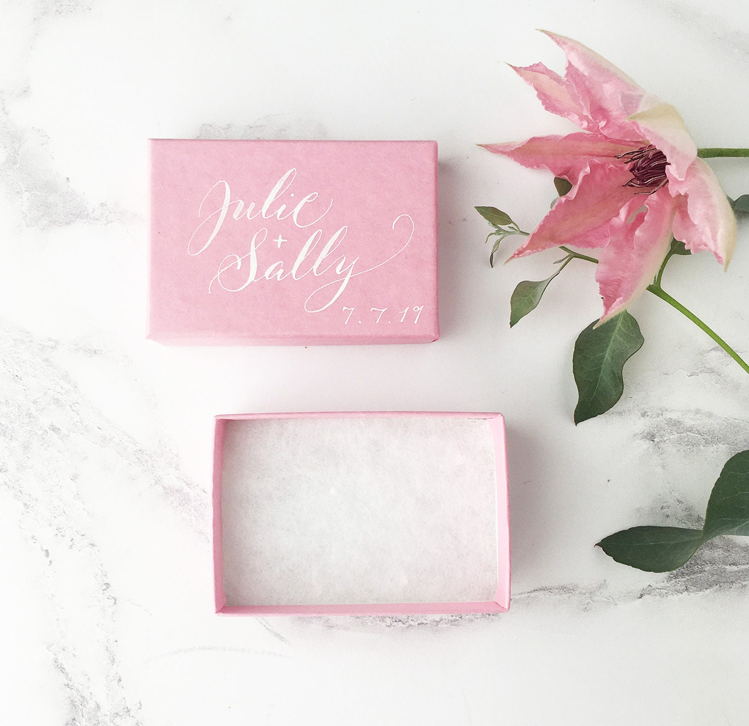 Luxury pink wedding favour boxes, romantic wedding favours ...