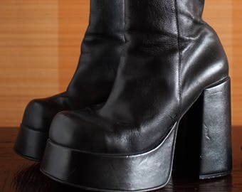 Reserved/// BUFFALO T 24401 platform booties 90's Club Kid grunge chunky clunky boots