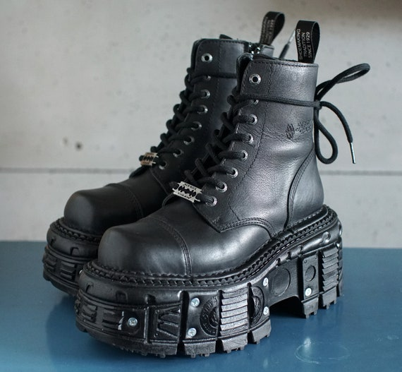 vintage New Rock platform razor black laced boots