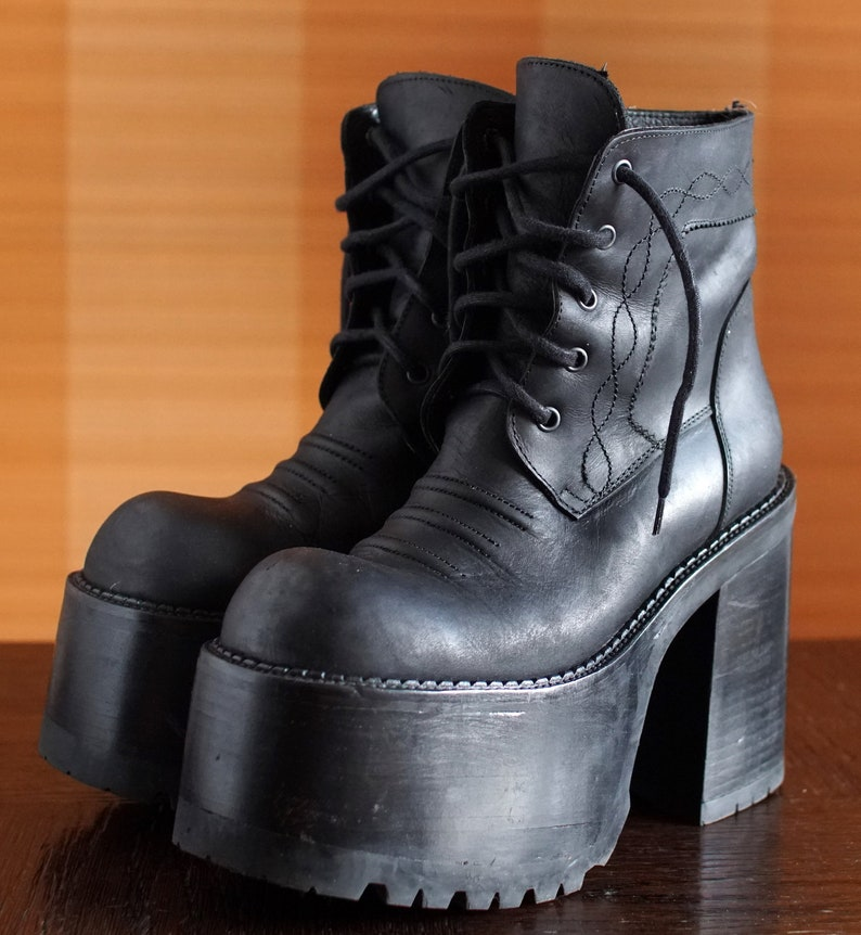 8784580837ee BUFFALO super high platform booties 90 s Club Kid Grunge