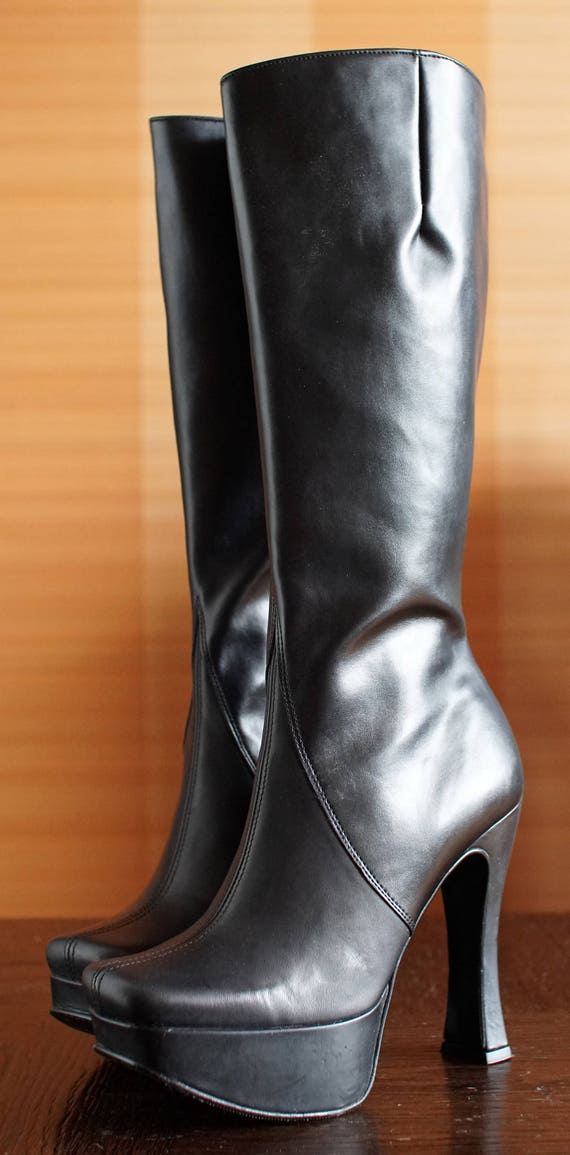 UNIQUE Vintage designer platform boots. Spicy Skin
