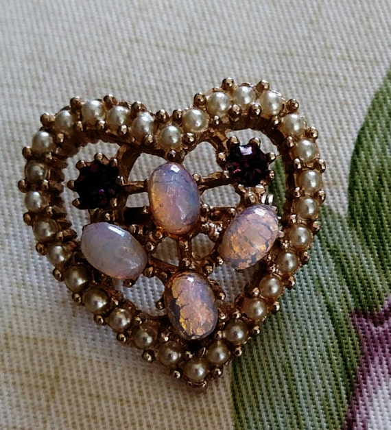 Vintage Rhinestone Faux Opal and Faux Pearl Heart… - image 1